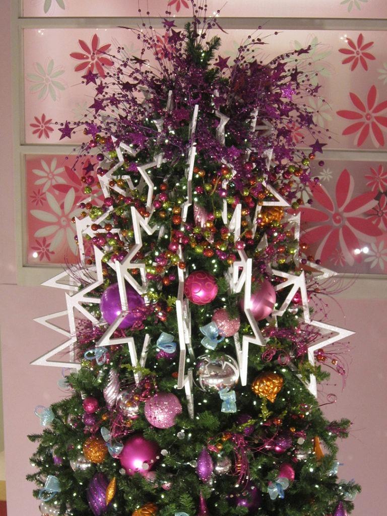 AG DALLAS christmas tree 6