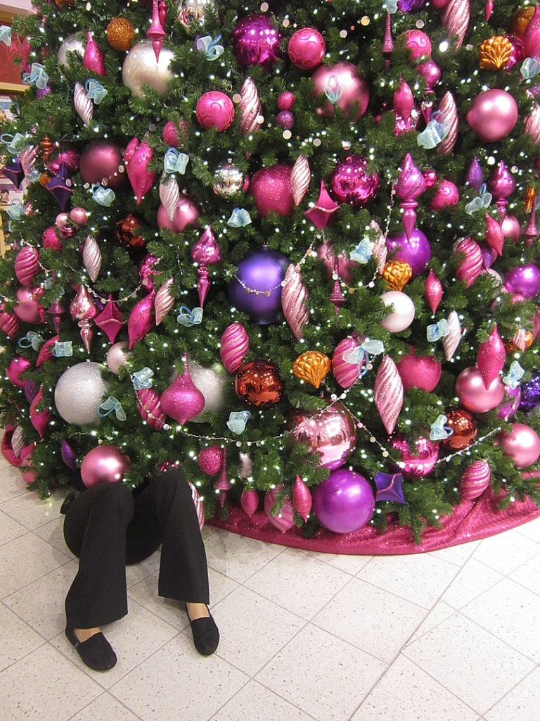 AG manager under tree 3