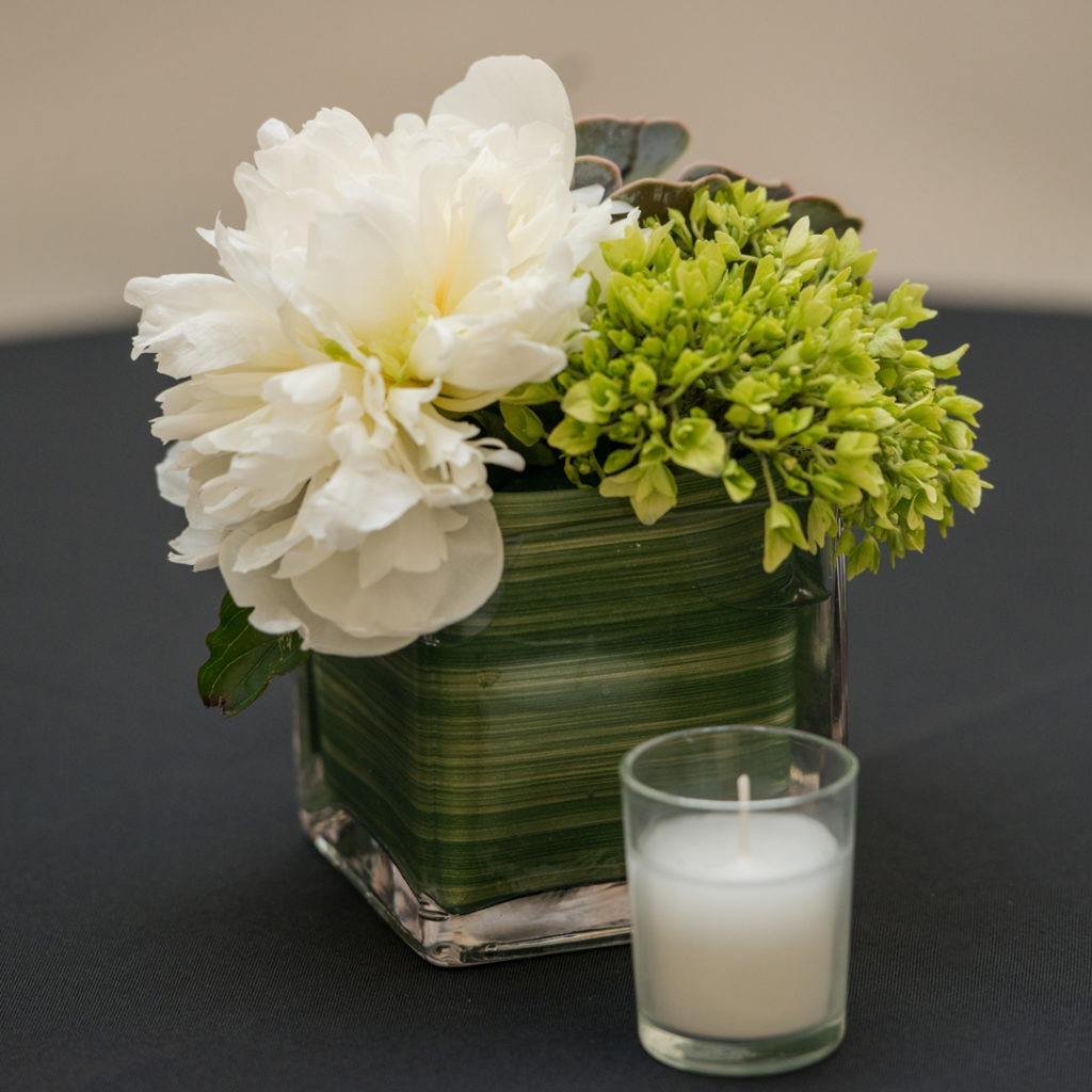 ICA White & Lime floral 1